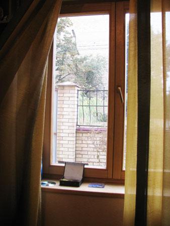 Продам в Боярке два 2-этажных дома на одном участке