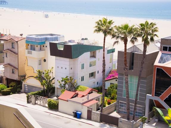 Калифорнийская недвижимость настолько дорогая, что люди живут в автомобилях